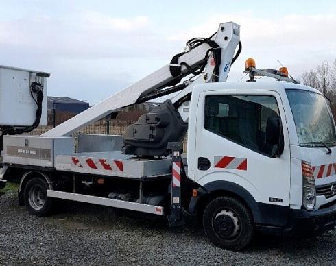 Camion nacelle 3.5 tonnes, 14m
