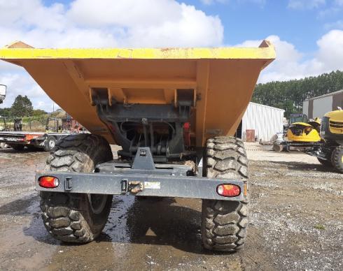 Dumper 12 tonnes sur pneus